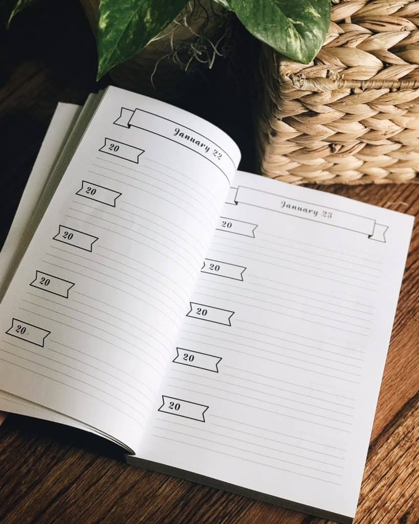 A look inside of the blank one line a day journal for moms, 5 years of memories