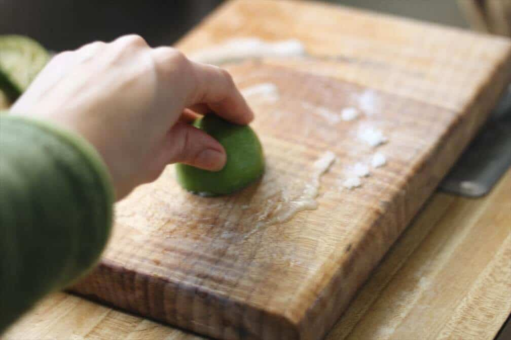 How To Remove Smells From A Wooden Cutting Board |